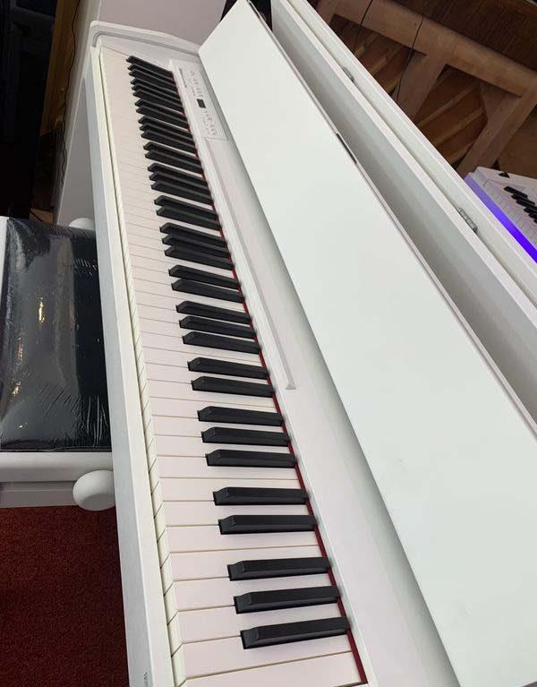 Piano numérique Roland F-140R